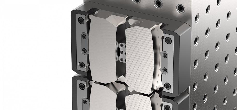 Zastosowanie freza Mill 16 pozwoliło dwukrotnie zwiększyć trwałość narzędzi iuzyskać dwukrotnie większy posuw przy obróbce wykańczającej płyt zżeliwa sferoidalnego /Fot. Kennametal