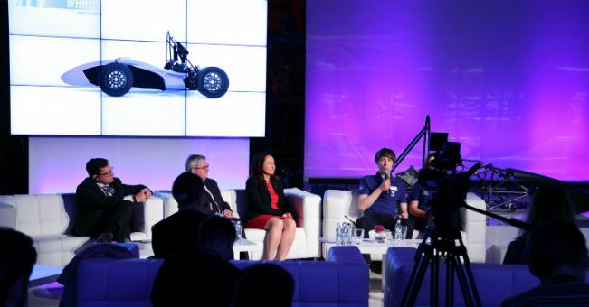 VW Poznań wspiera studentów Politechniki Poznańskiej w budowie bolidu wyścigowego