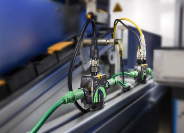 Moduł IP67 I/O umożliwia konstruktorom maszyn integrację czujników ielementów dowolnego producenta wsieci SmartWire- DT poprzez złącza wtykowe M12