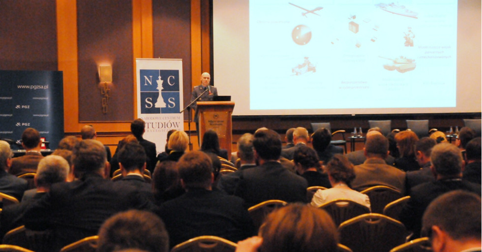 Dyskusja o przyszłości polskiego przemysłu zbrojeniowego – raport NCSS