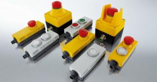 Przycisk zatrzymania awaryjnego i przycisk RESET z portami M12
