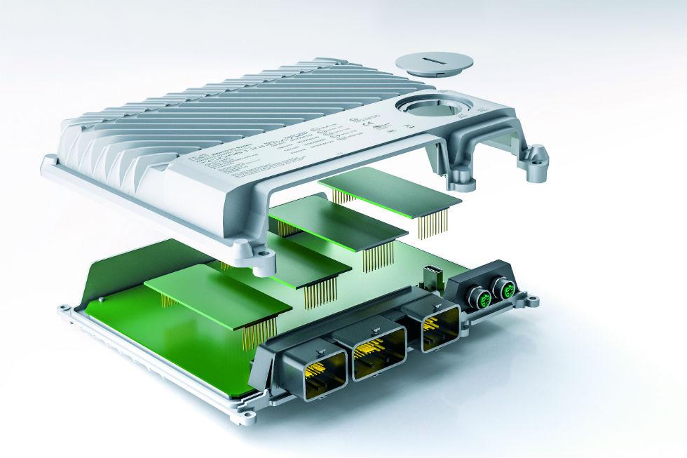 System sterowania X90 iI/O może być rozszerzany modułowo, przy użyciu opcjonalnych kart na dodatkowe I/O lub interfejsy.
