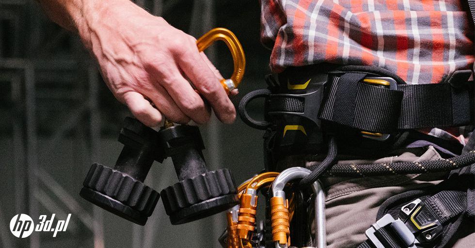 Technik dostępu linowego Ropes Edge zosprzętem