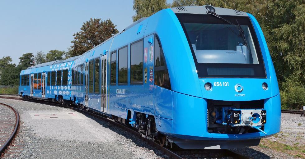 Coradia iLint to pierwszy na świecie pociąg pasażerski wyposażony wogniwa paliwowe do przetwarzania wodoru wenergię elektryczną. Fot. Alstom