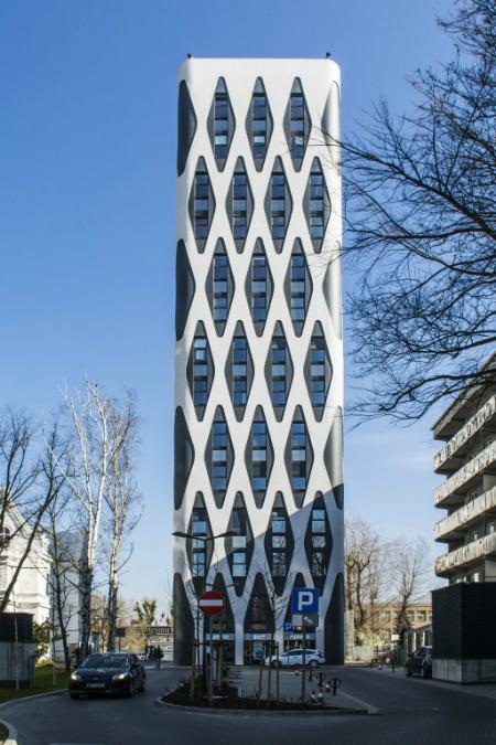 Poznański Nobel Tower powalczy wfinale Life Challenge 2016 otytuł Europejskiej Fasady Roku wkategorii budynków niemieszkalnych Fot. Baumit