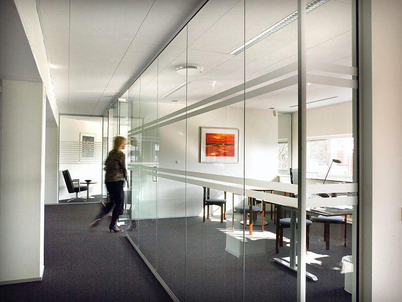 Jak skutecznie wyciszyć wnętrze biurowe?