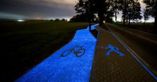 Otwarto pierwszą w Polsce świecącą ścieżkę rowerową