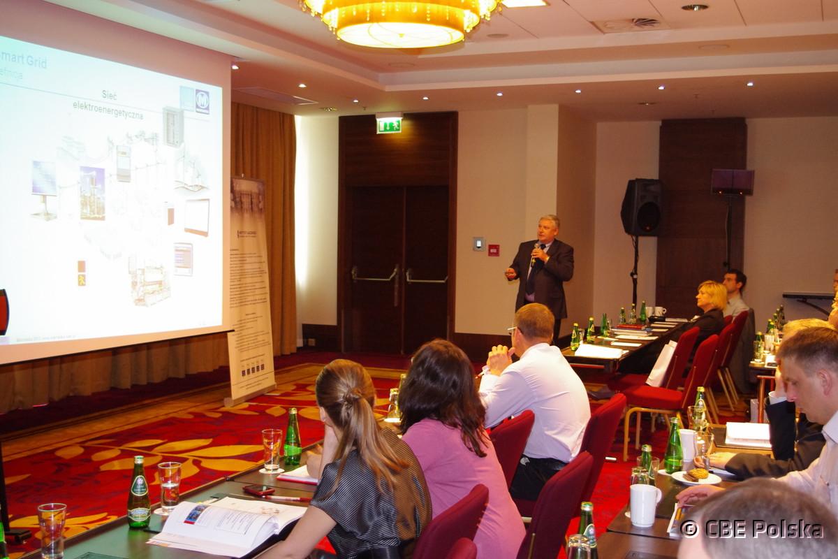 """Polsce potrzebna jest przemyślana strategia dotycząca rozwoju kompleksowej """"smart"""" komunikacji"""