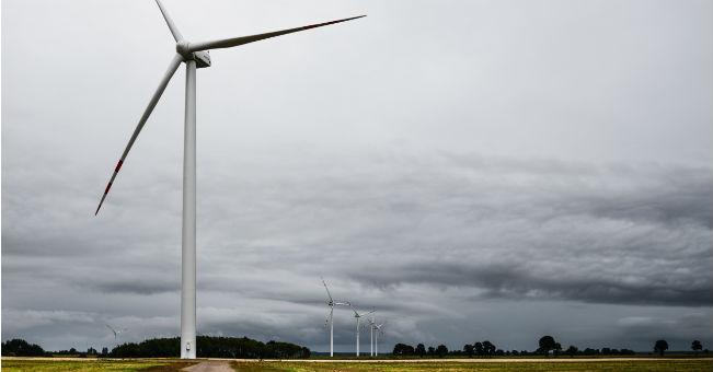 PGE uruchomiło farmę wiatrową Lotnisko