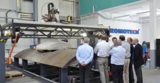Nowa wycinarka Promotechu dla stoczni i platform wiertniczych