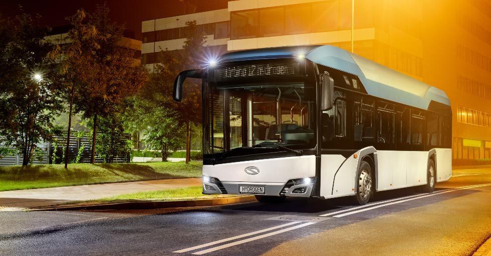 Autobus wodorowy Solarisa testowany na ulicach Paryża