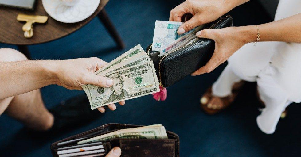 Wymiana waluty? Zrób to online!