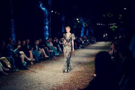 Folie BASF na pokazie mody