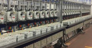 Produkcja liczników energii elektrycznej w fabryce Apatoru