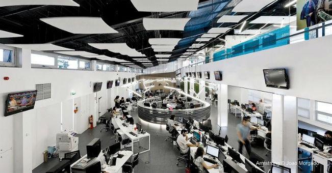 Jak zmniejszyć hałas w call center?