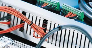 Specjalistyczne kable i przewody produkcji HUBNER+SUHNER