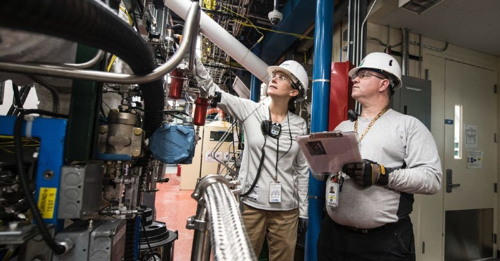 """Na rynku pracy coraz więcej inżynierów. """"To dobry czas na uzupełnienie niedoborów kadrowych"""""""