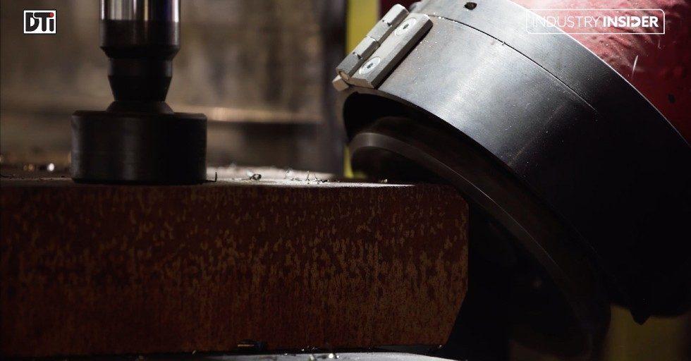Frezarka UKF sterowana elektronicznie do ukosowania blach o grubości do 250 mm