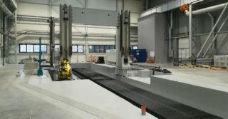 HSW montuje jedną z największych w Polsce frezarek bramowych z przejezdnym stołem