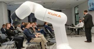 KUKA zaprezentowała rozwiązania dla branży elektronicznej