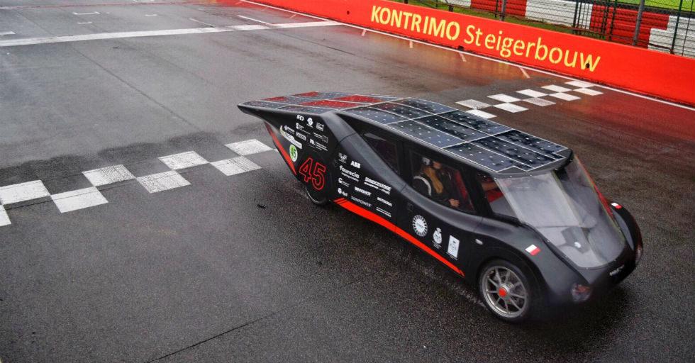 Studenci z Politechniki Łódzkiej wygrali zawody elektryków iLumen European Solar Challenge