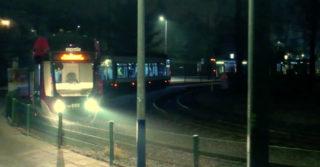 Autonomiczny tramwaj przejeżdża po krakowskich szynach