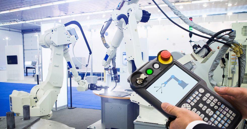 Czy zawsze będziemy programować roboty przemysłowe online? [Analiza]