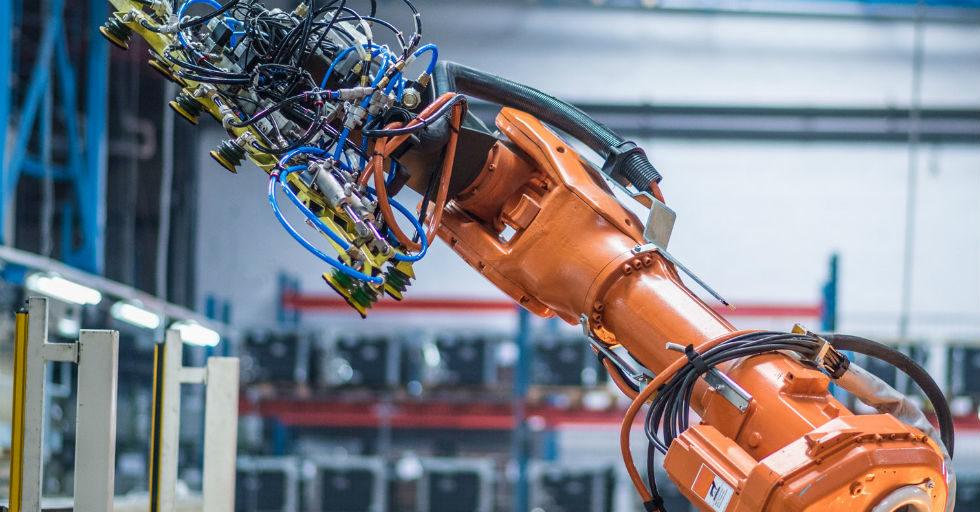 Rośnie sprzedaż robotów. Polska poza zestawieniem Międzynarodowej Federacji Robotyki