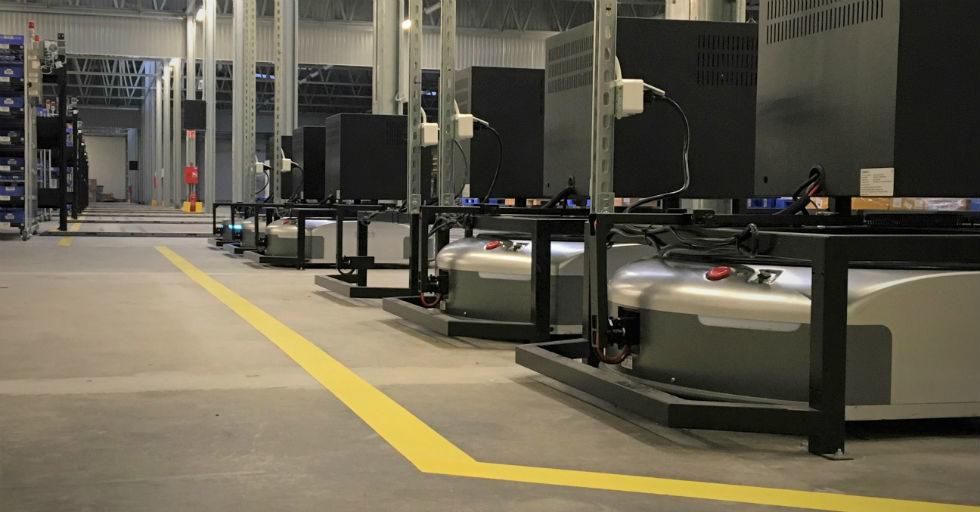 Zautomatyzowany magazyn logistyczny MW: 57 robotów, 15 000 przesyłek dziennie