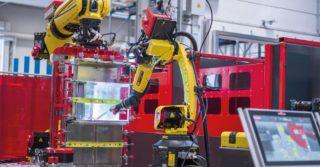 Modułowa cela do spawania zrobotyzowanego: dwa roboty, setki geometrii elementów