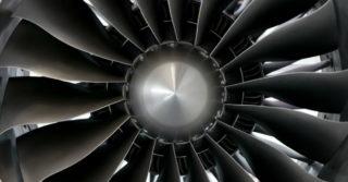 Obrabianie powierzchni łopatek silnika w przemyśle lotniczym