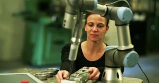 Roboty ramię w ramię z ludźmi
