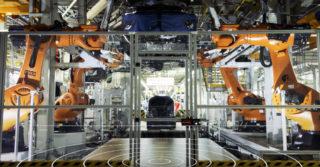 Roboty KUKA Titan na linii produkcyjnej VW Poznań