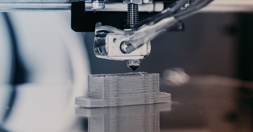 """Komponenty """"drukowane pod wymiar"""" w General Motors"""