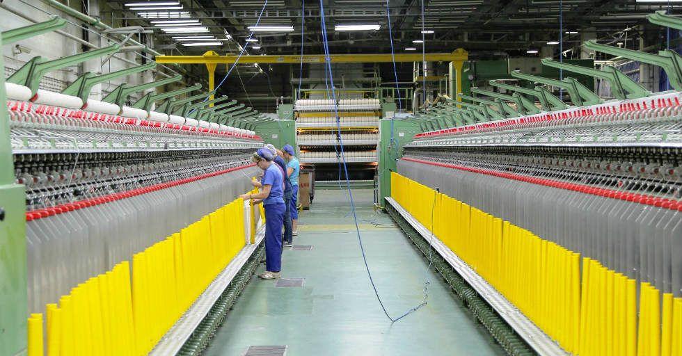 Trzy nowe linie technologiczne zwiększą moce produkcyjne białostockiej fabryki dywanów