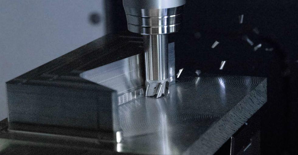 Obróbka metali nieżelaznych i tworzyw sztucznych wzmocnionych włóknem węglowym