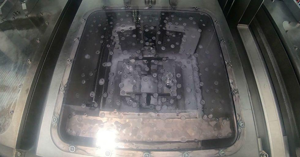 5-osiowe wysokociśnieniowe gratowanie połączone z procesami mycia i suszenia detali