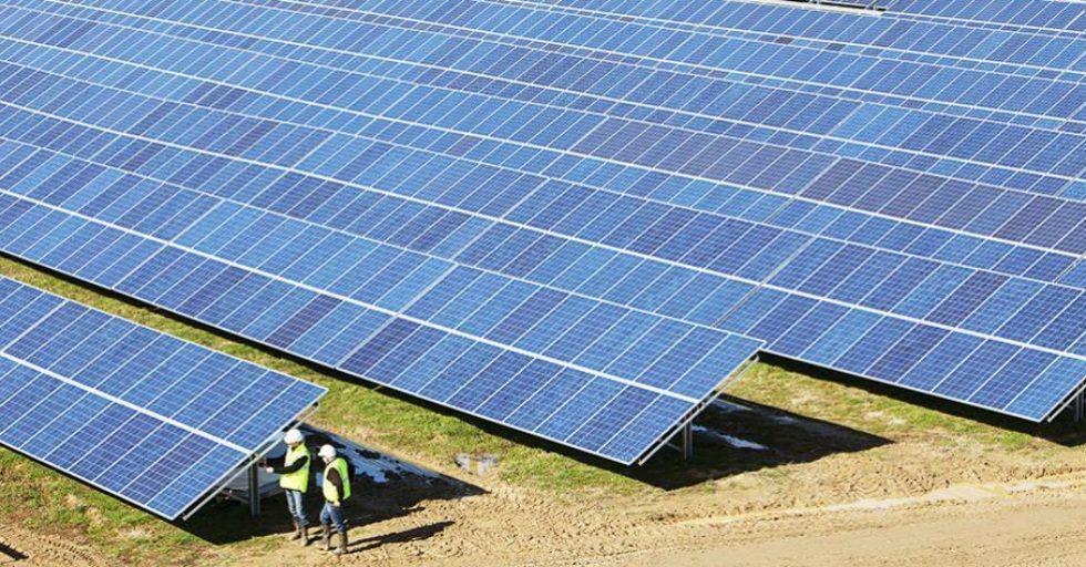 Grupa Eiffage zbuduje elektrownię fotowoltaiczną na Jamajce