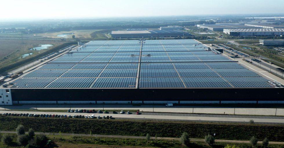 Ponad 48 tys. paneli słonecznych na dachu Centrum Magazynowo-Logistycznego PVH Europe
