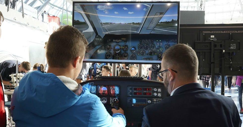 Jakie są wyzwania i potrzeby branży lotniczej w zakresie zarządzania kompetencjami?