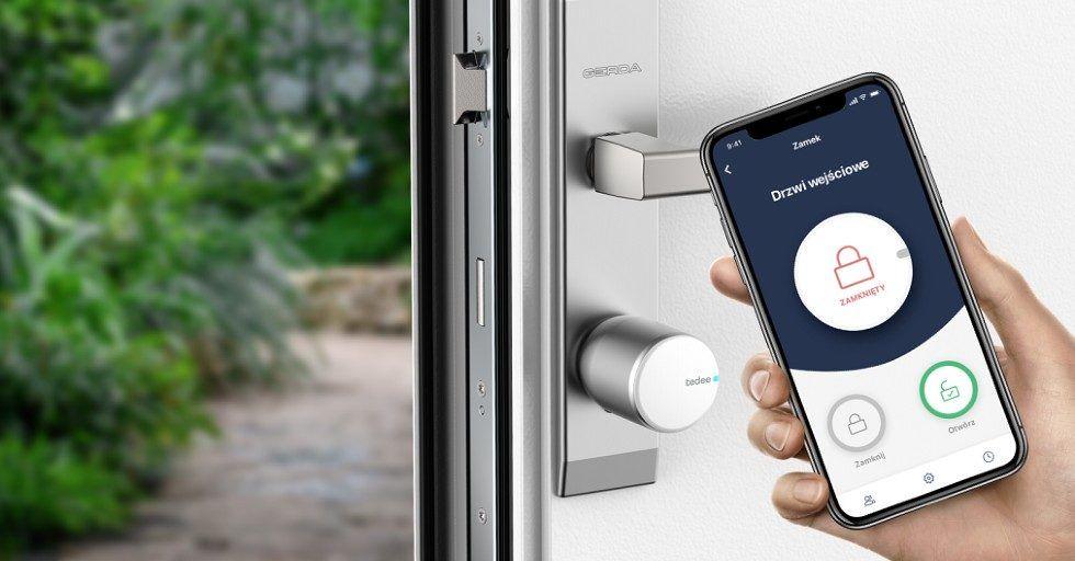 Inteligentny zamek do drzwi sterowany smartfonem