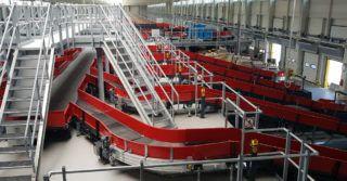 Sortowanie 7 500 przesyłek na godzinę w podwarszawskiej jednostce DHL Parcel Polska