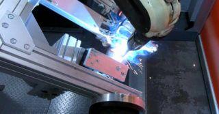 Zrobotyzowane spawanie kompensatorów drgań w układach wydechowych aut ciężarowych