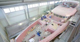 Proces budowy superjachtu Viatoris w stoczni CONRAD