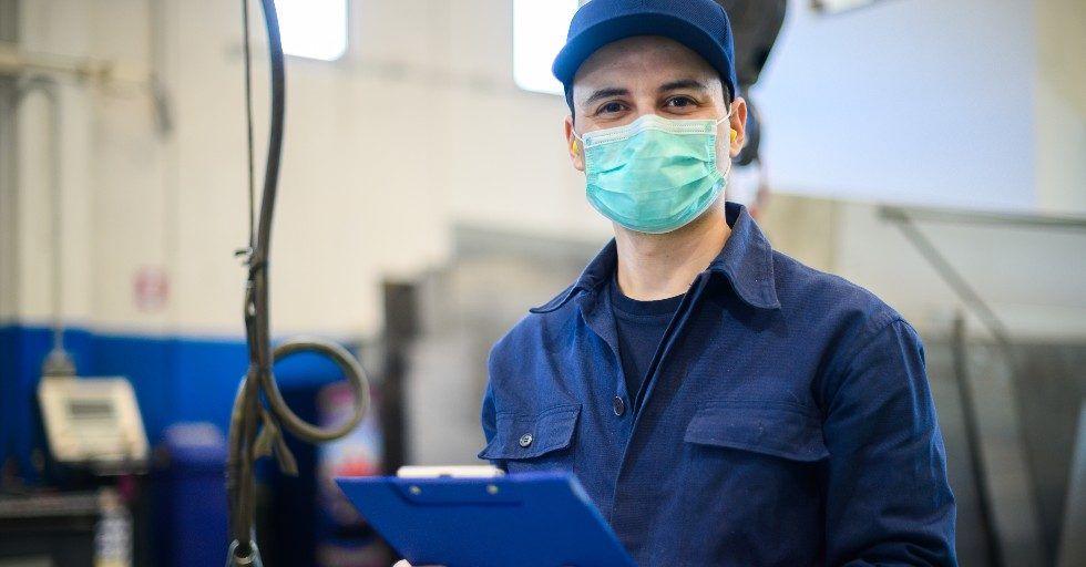 Czy pracownicy fizyczni czują się bezpiecznie w czasie pandemii [RAPORT]