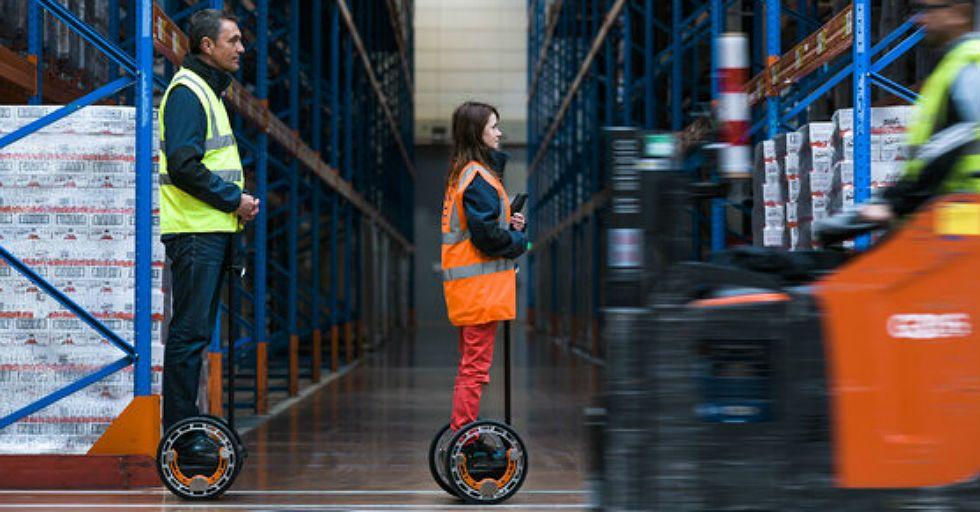 Pojazdy do przemierzania magazynów i ergoszkielety – innowacje technologiczne w FM Logistic