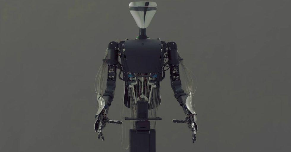 MELTANT-α, robot avatar. Perfekcyjne połączenie maszyny i człowieka.