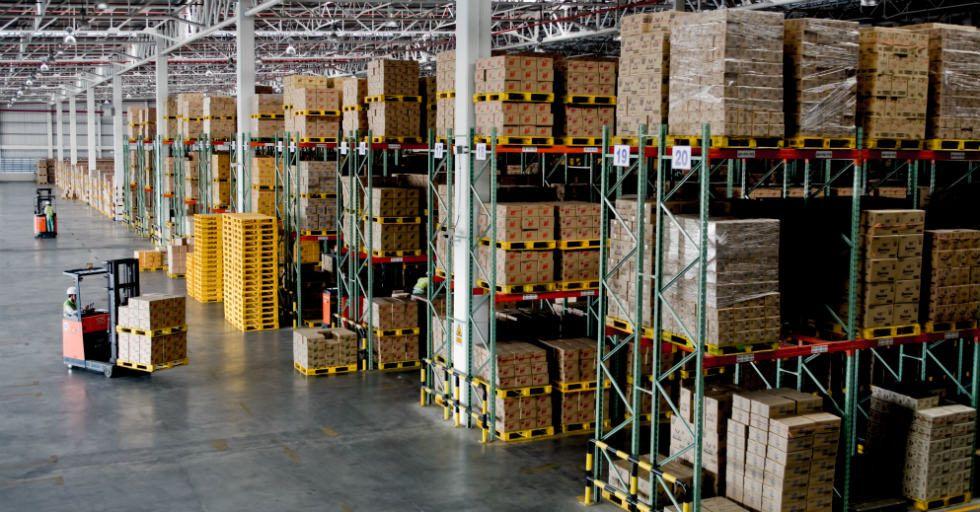 33000 lm w jednej oprawie na ponad 12 m wysokości bez utraty jakości i wydajności świetlnej
