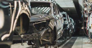 Branża motoryzacyjna może ponieść 80% ogółu strat wywołanych brakiem półprzewodników [RAPORT]
