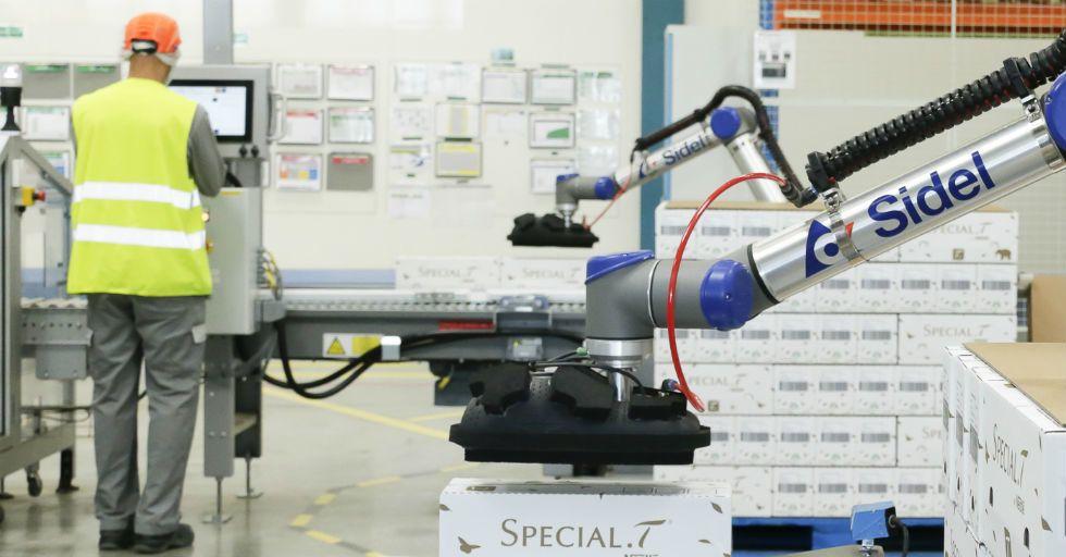 Coboty pomagają w automatyzacji paletyzacji w Nestle